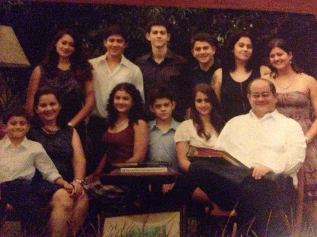 Ernie and Marichu Khan with their 10 children